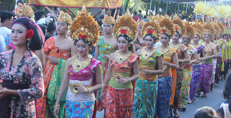 balinese traditional choltes