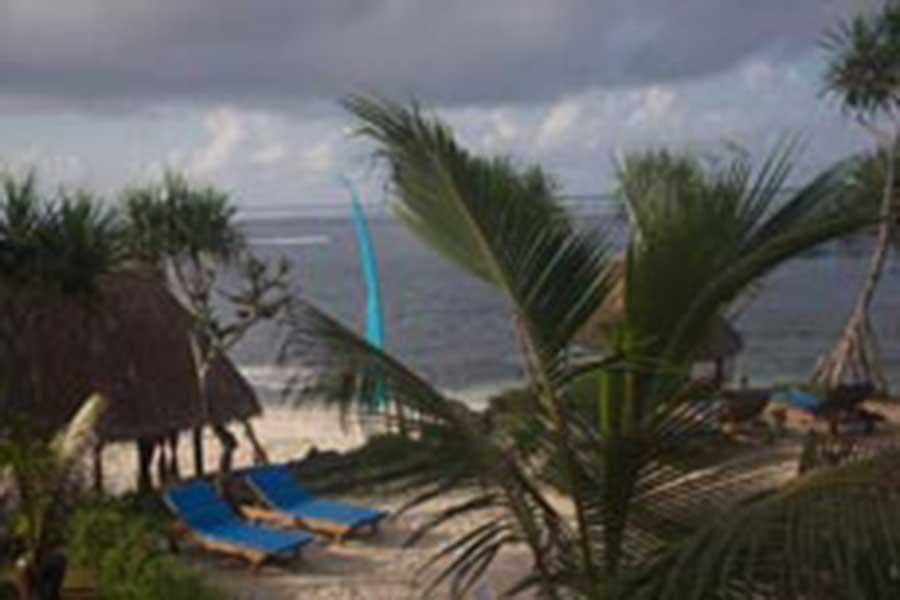beach huts, nusa lembongan, bali