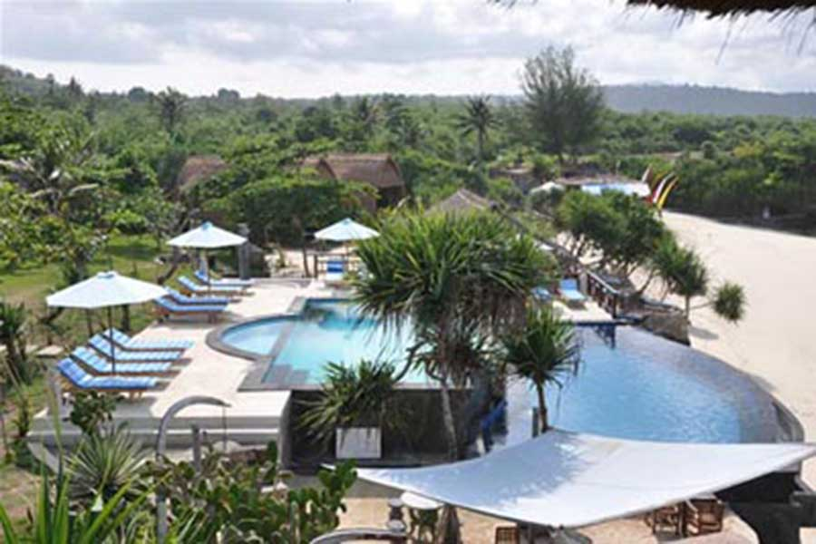 dream beach huts, nusa lembongan, swimming pool