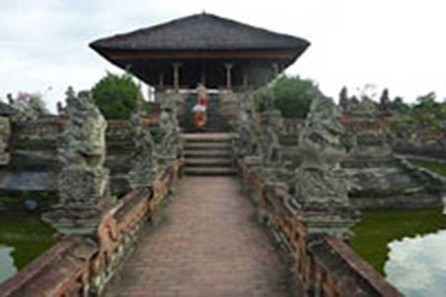 balinese style building, bale kambang, kertha gosa
