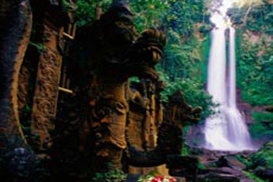 gitgit waterfall, singaraja, bali