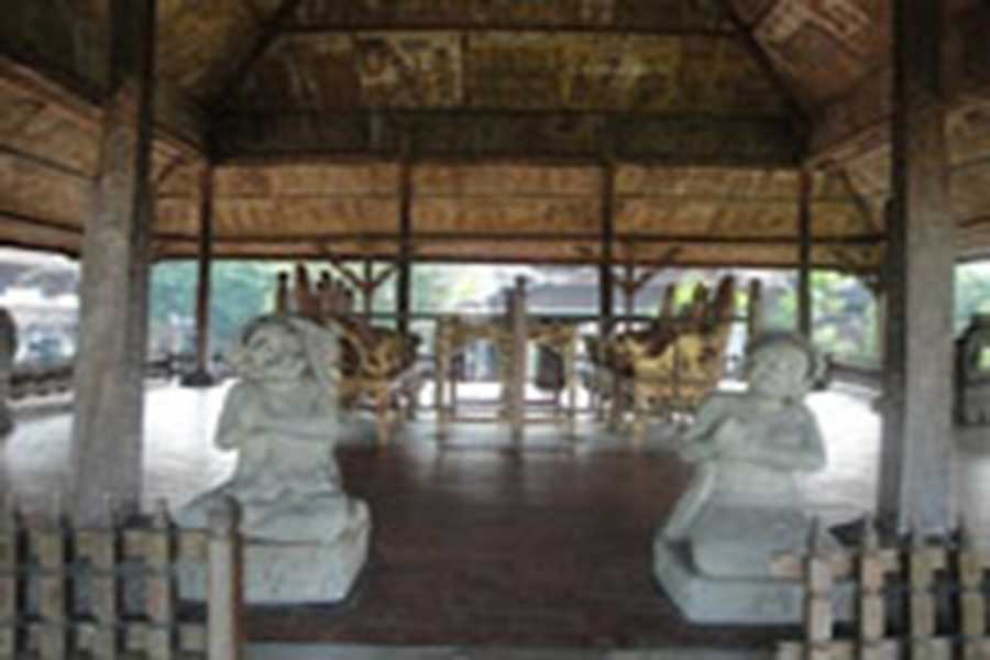 justice table, kertha gosa, klungkung