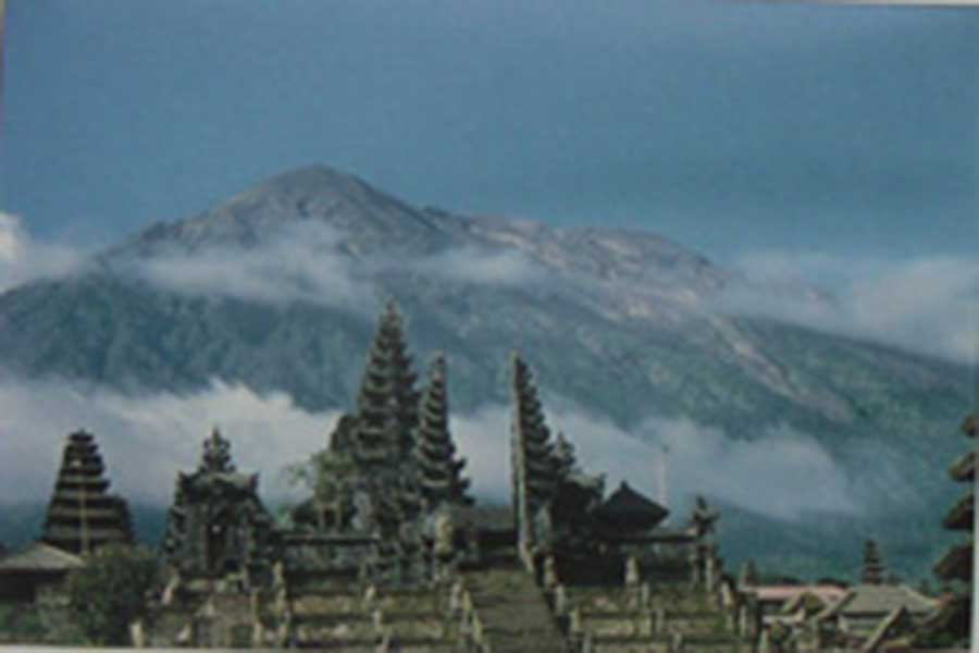 mount agung and besakih temple view