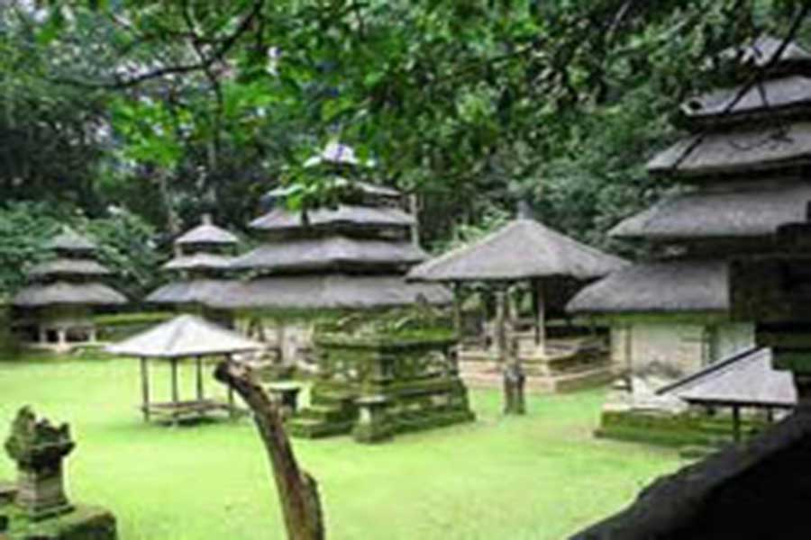 alas kedaton bali old temple