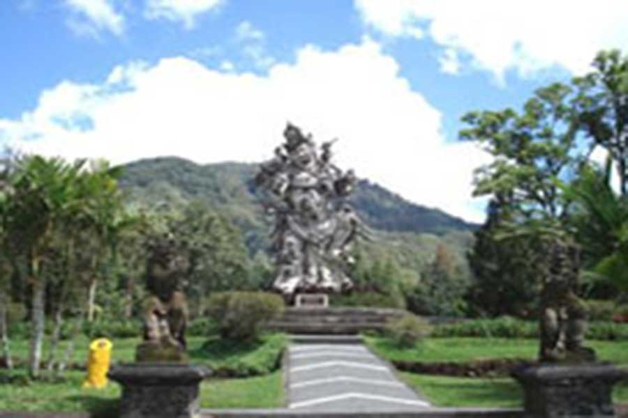 statue at bali botanical garden