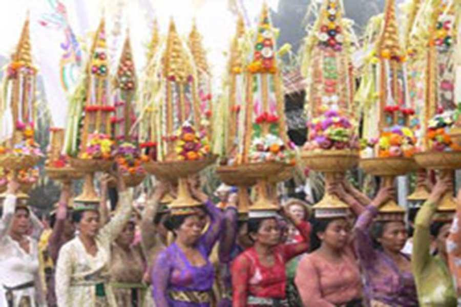 Gebogan, temple, ceremony