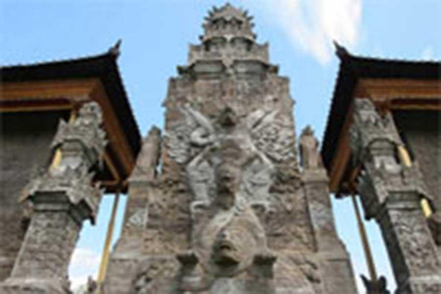 maduwe karang statue, bali, temple