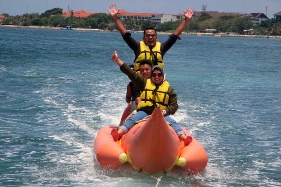 banana boat, water sports, tanjung benoa