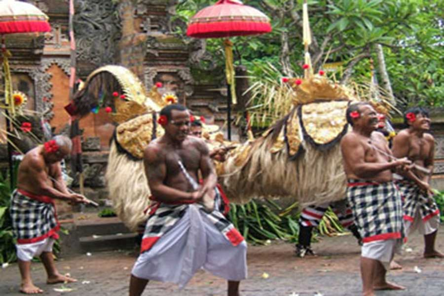 barong and keris dance