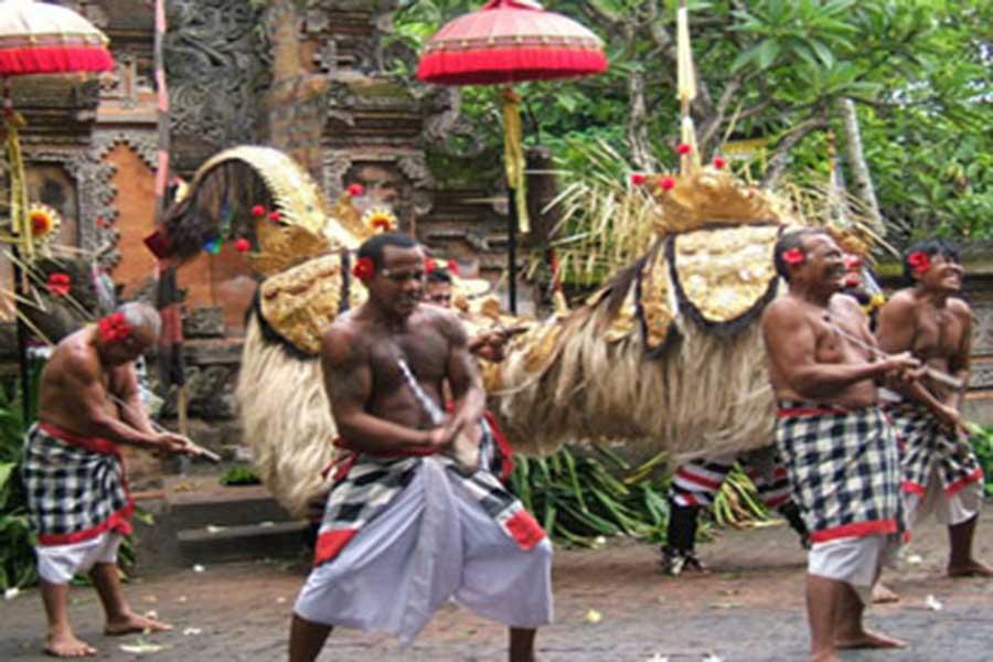 barong and keris dance