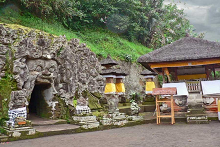 goa gajah temple, bali tour