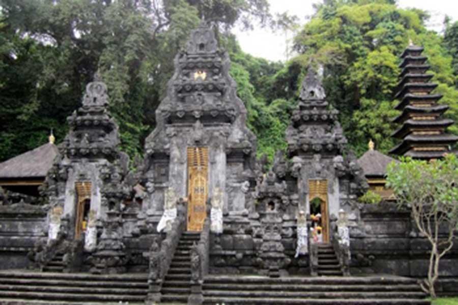 bat cave temple, goa lawah