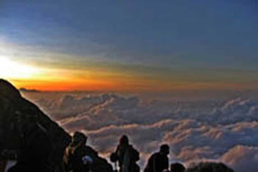 mount agung trekking view