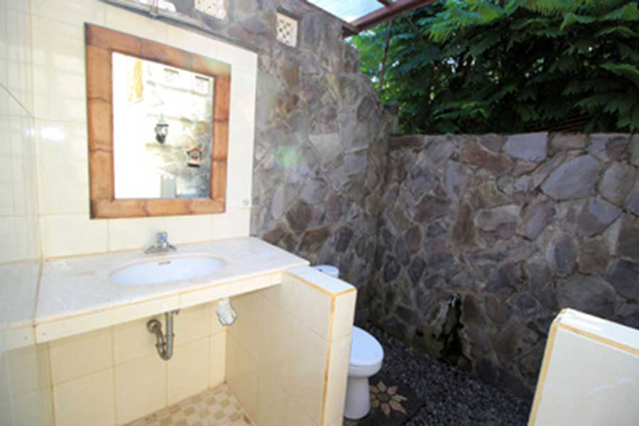 open bathroom, mambal balinese house