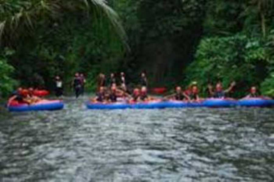 holi water geroh, pakerisan river waterfall, bali tubing, tubing in bali