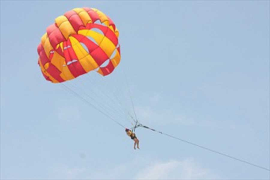parasailing, bali hai cruise, hai cruise, reef cruise