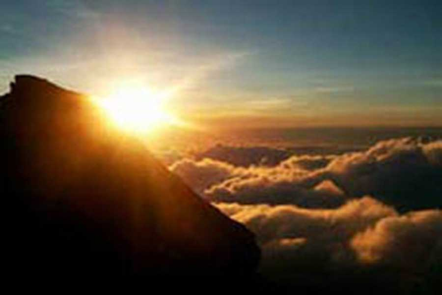 mount agung sunrise view