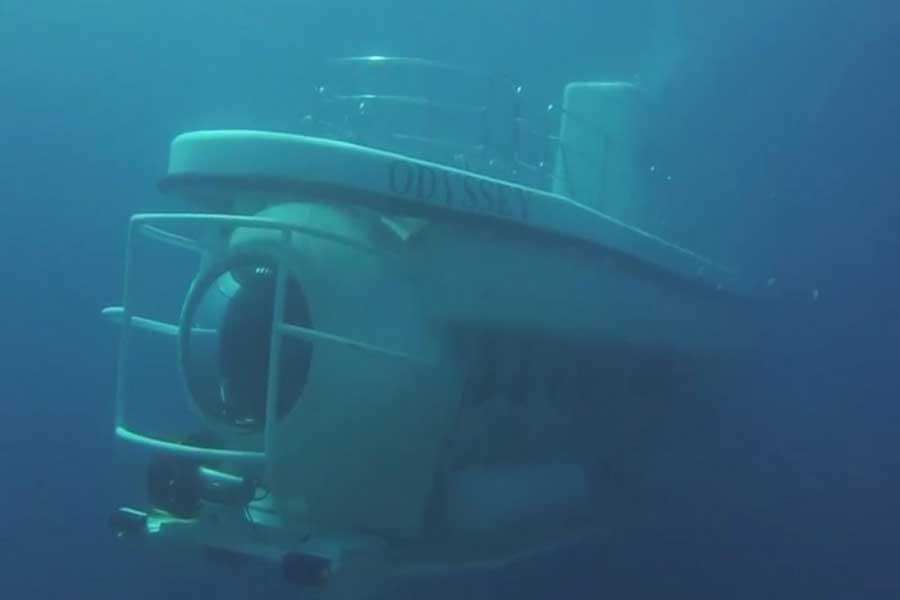 voyages fantasy, submarine bali, odyssey