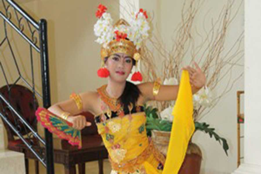 traditional balinese costume, bali ratu spa, spa in bali