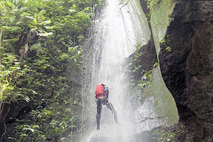 adrenaline pumping, penet river, canyoning bali