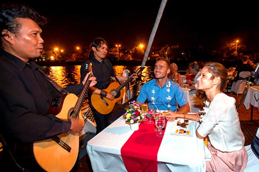 aristocat evening cruise, live entertainment