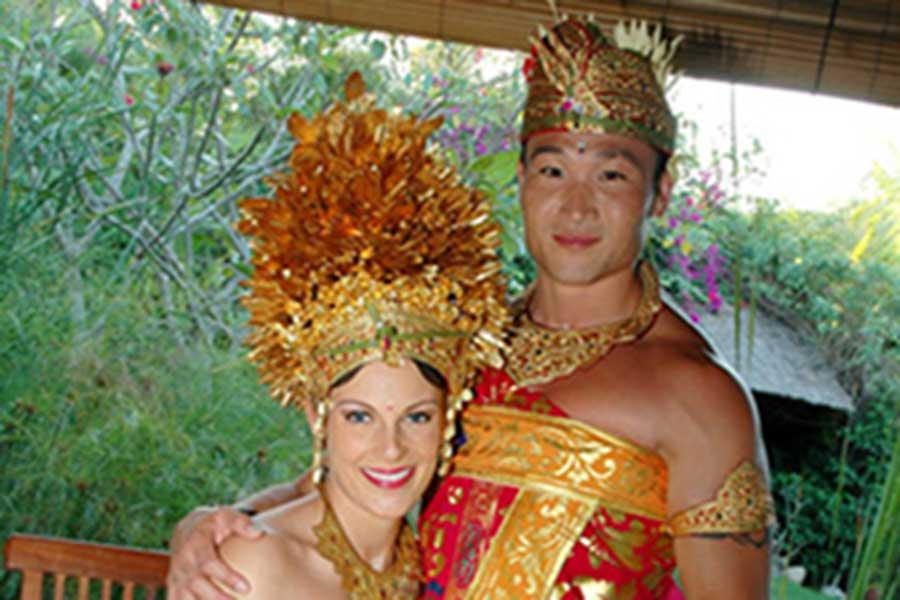 balinese costume, photo session, honeymoon package