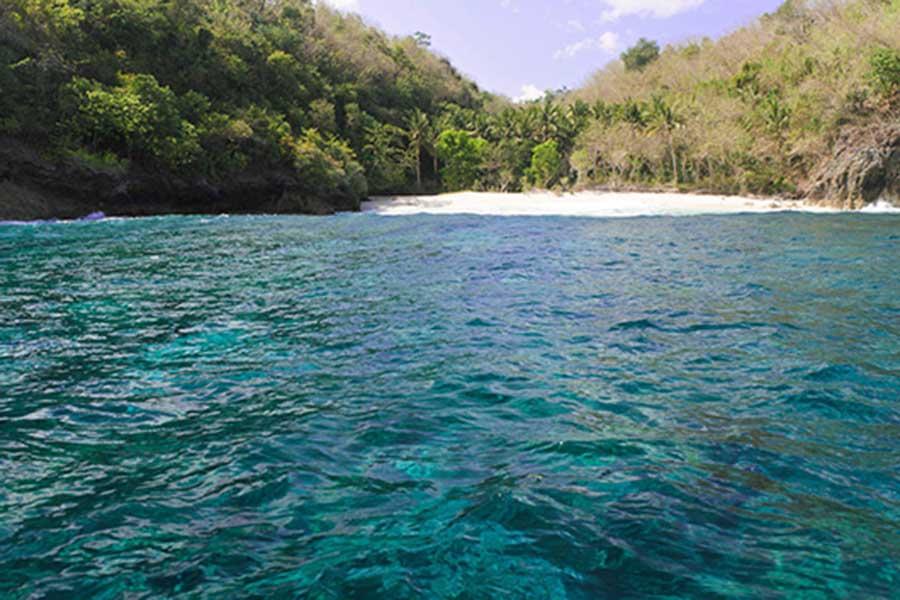 crystal bay nusa penida island