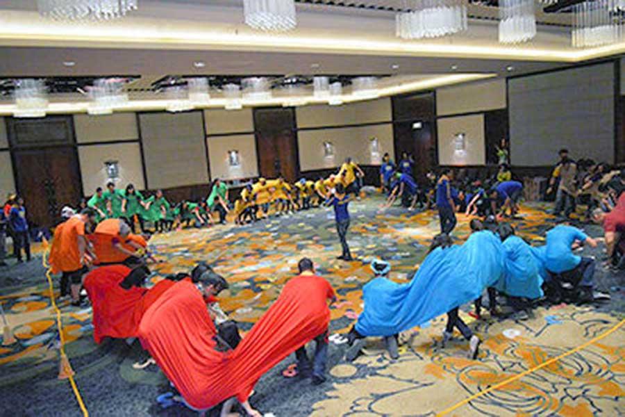 indoor team building, bali team work