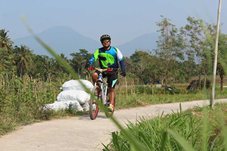 luwus village, jungle bike track, bali moon bike