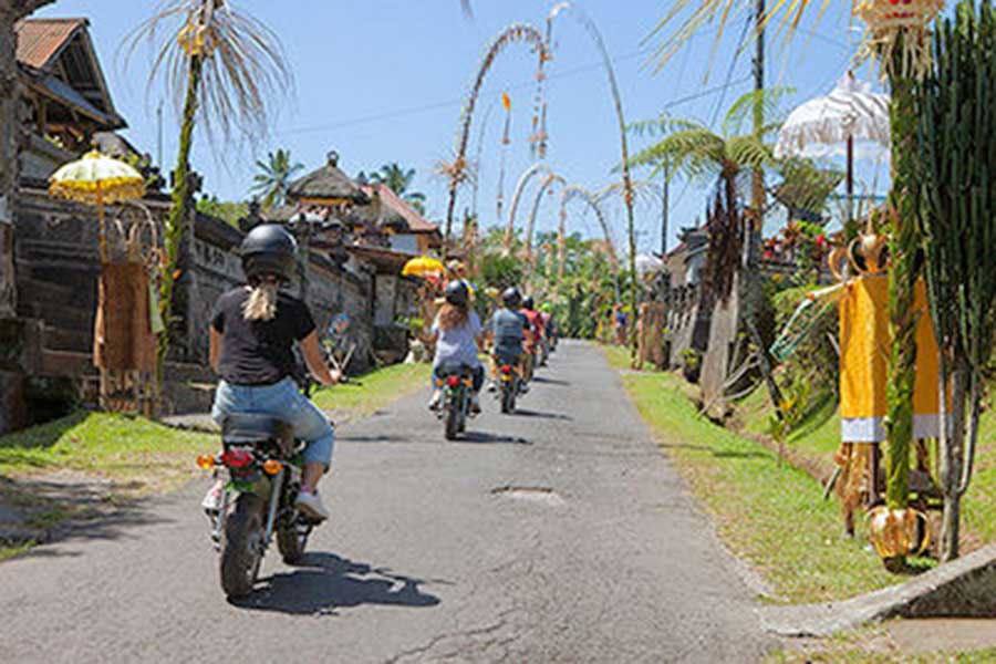 monkey bike, retro bike bali, bali village