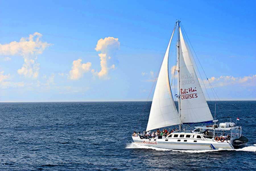 sailing cruise, nusa lembongan to nusa penida, bali hai