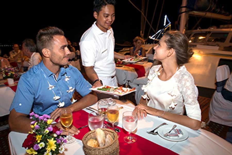 sunset cruise bali, honeymoon package bali, romantic dinner bali