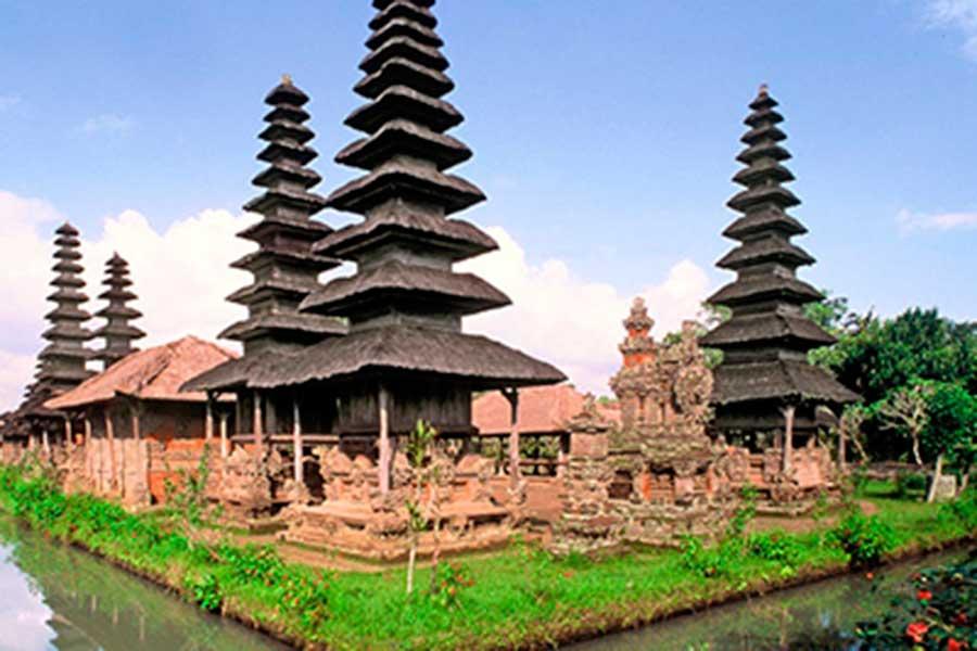 taman ayun, royal temple, honeymoon package