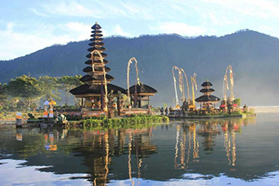ulun danu, beratan temple, honeymoon package